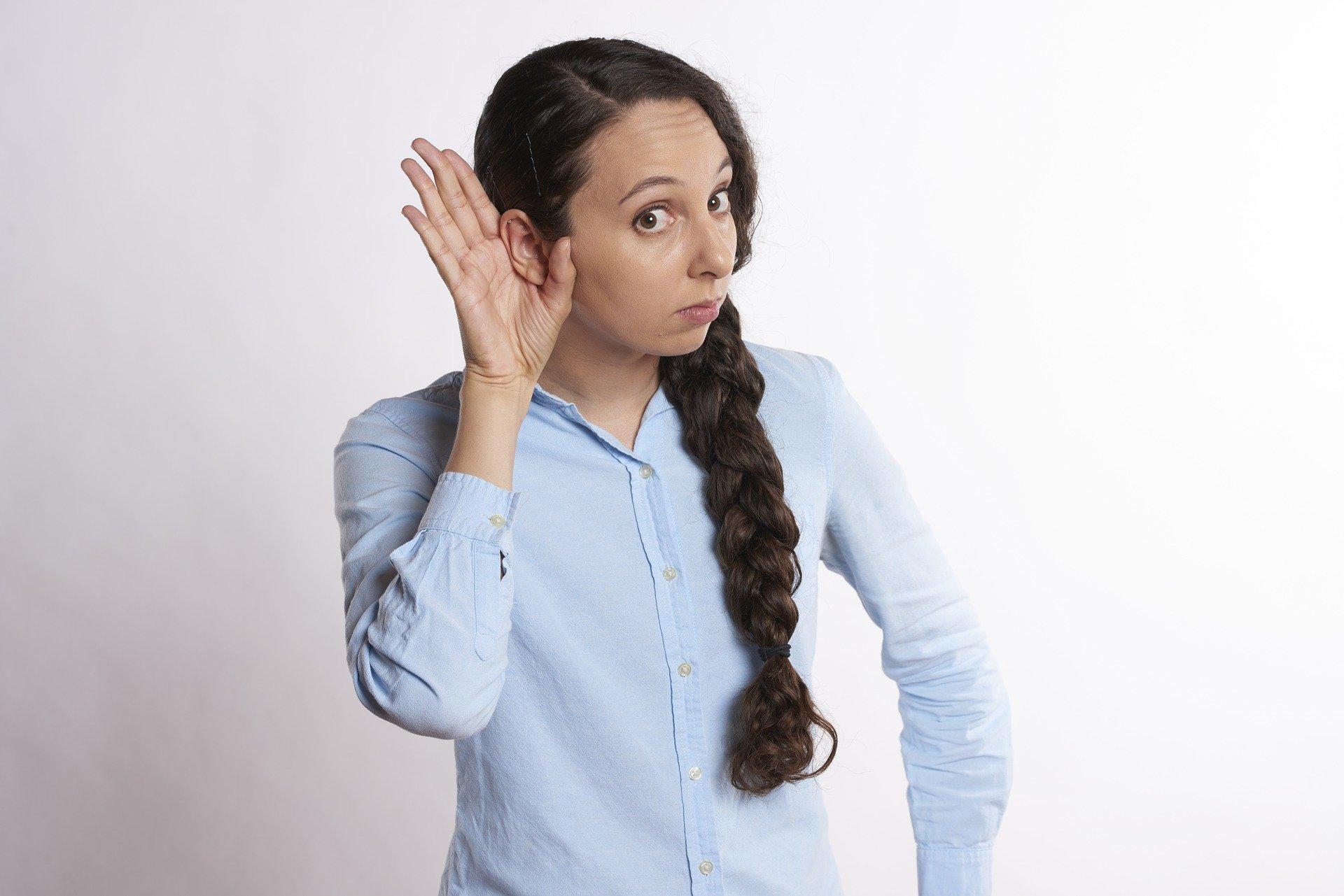 Problemy ze słuchem, które mogą powodować, że trzeba kupić aparat słuchowy